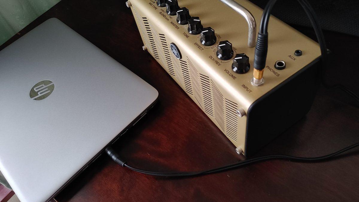 PCとアンプを繋ぐ
